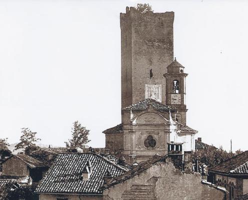 Foto del 1940 Torre di Barbaresco - Stemma della famiglia Visconti di Milano